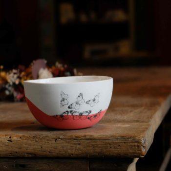 bol rouge papillons porcelaine